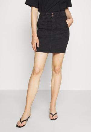 PCAVIA SKIRT BOX CAMP - Pencil skirt - black