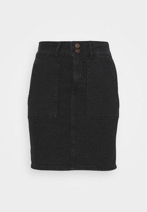 PCAVIA SKIRT BOX CAMP - Falda de tubo - black