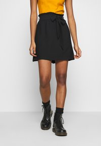 Pieces - PCNYKKE SKIRT - Minirok - black - 0