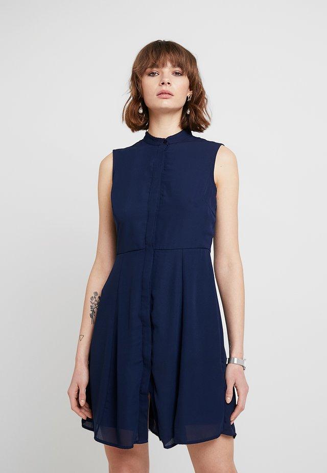 PCCELINA DRESS - Abito a camicia - maritime blue