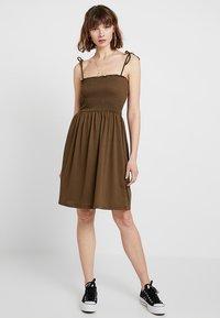 Pieces - PCCALEN DRESS - Jersey dress - beech - 1