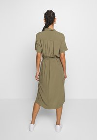 Pieces - PCCECILIE DRESS - Blousejurk - deep lichen green - 2