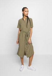 Pieces - PCCECILIE DRESS - Blousejurk - deep lichen green - 0