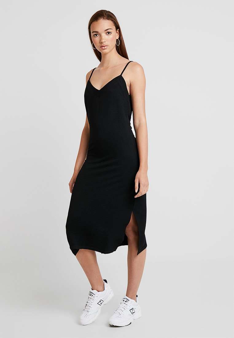 Pieces - PCFREJA SLIP DRESS - Jersey dress - black