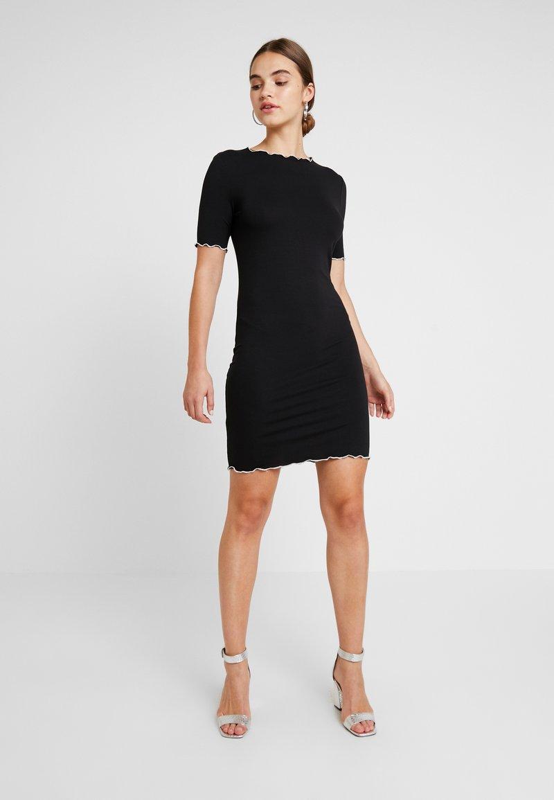 Pieces - PCOLIANA DRESS - Etuikleid - black