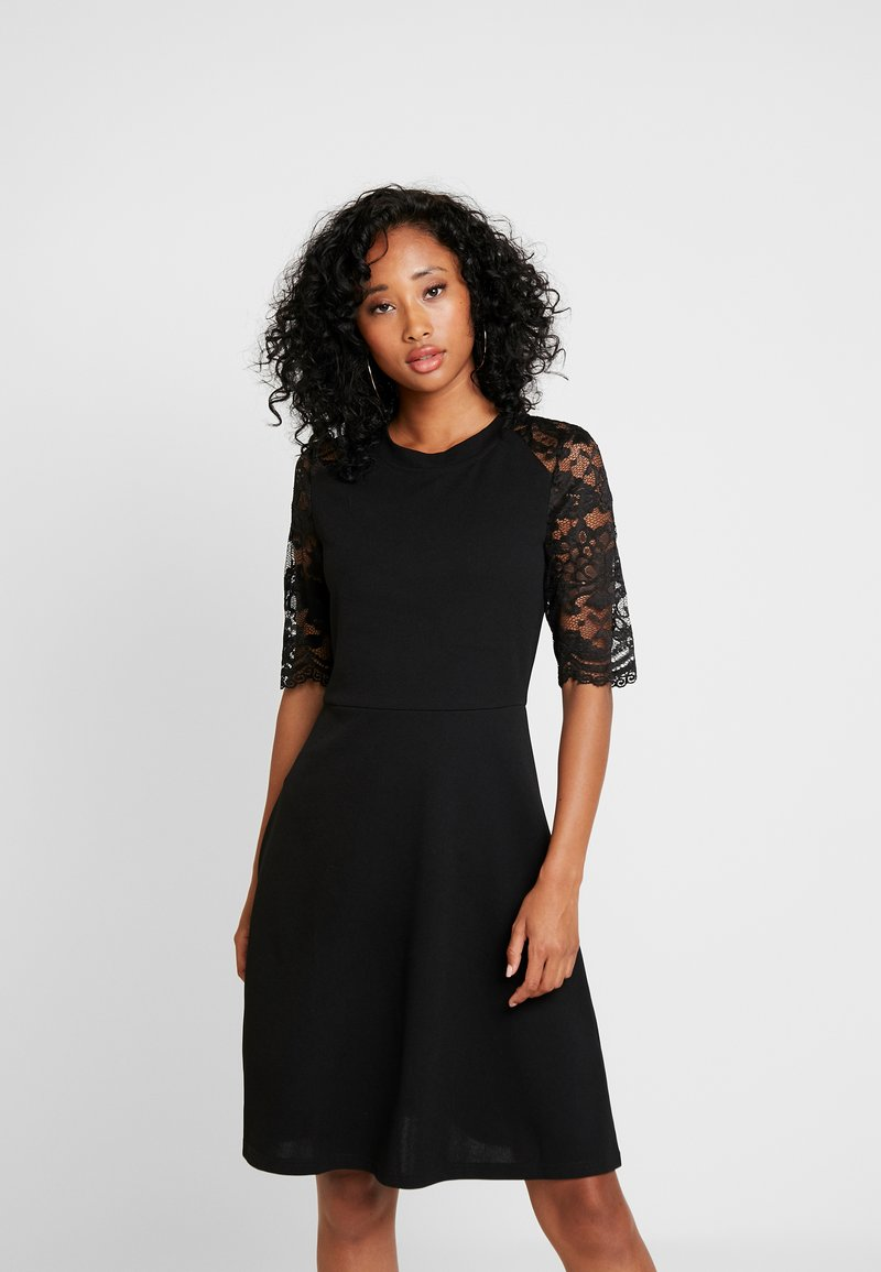 Pieces - PCANN DRESS - Trikoomekko - black