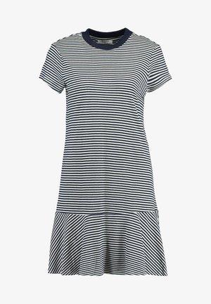 PCKAMINO DRESS - Denní šaty - bright white