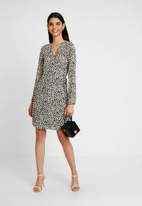 Pieces - PCJARIA WRAP DRESS - Sukienka letnia - black - 2