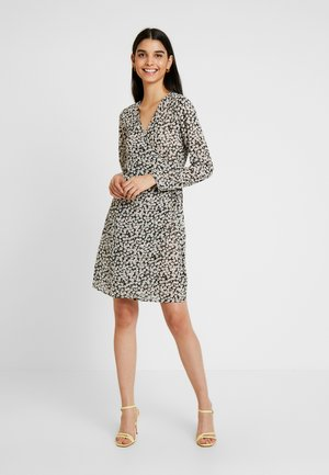 PCJARIA WRAP DRESS - Korte jurk - black