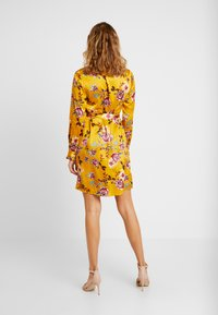 Pieces - Robe d'été - mustard gold - 3