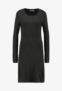 Pieces - Pletené šaty - dark grey melange - 4
