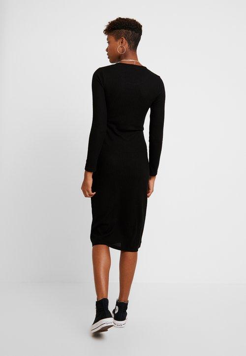 Pieces PCHARUKO - Sukienka dzianinowa - black Odzież Damska Sukienki KILO-TR7 trwałe modelowanie