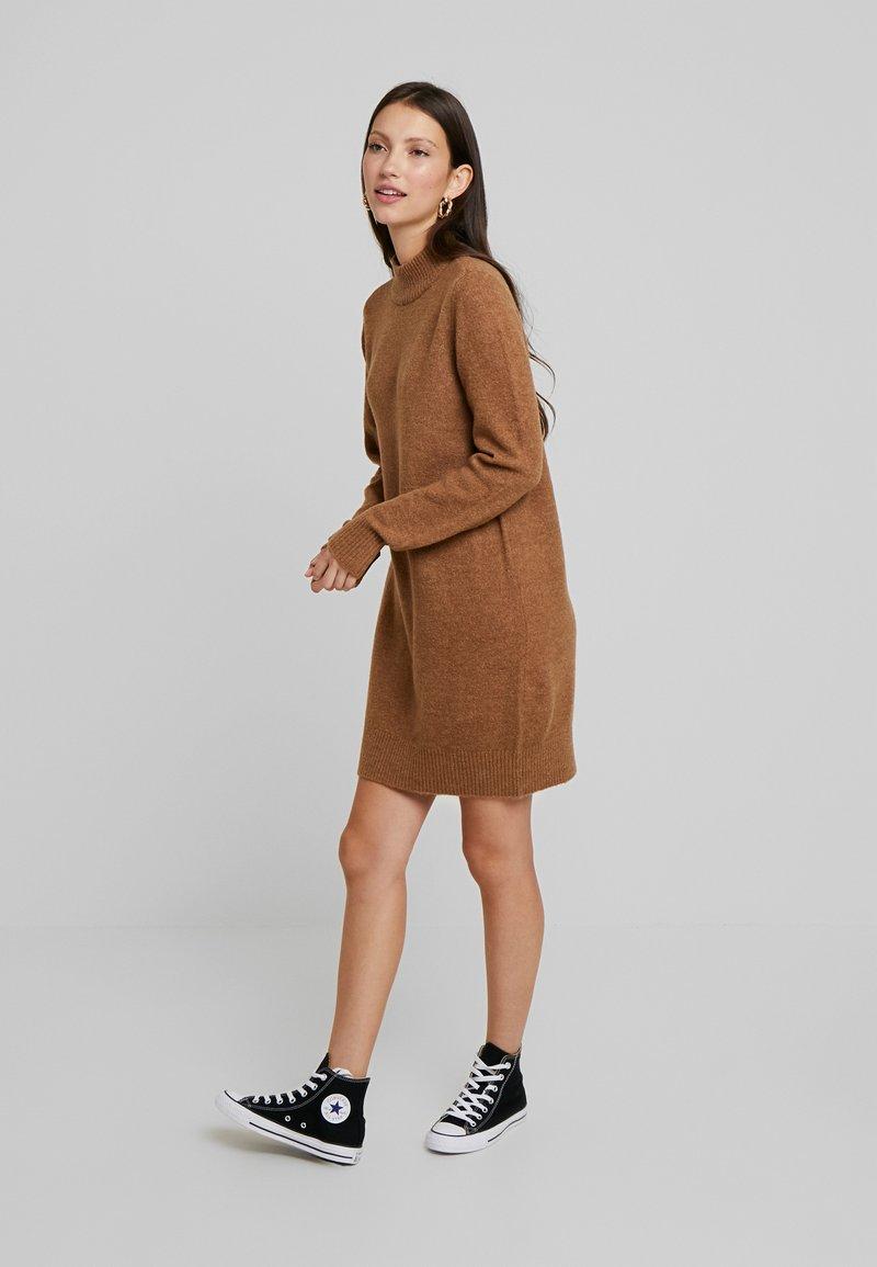 Pieces - PCILYA DRESS - Jumper dress - toasted coconut