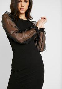 Pieces - PCMADELENA ORGANZA DRESS - Pouzdrové šaty - black - 6