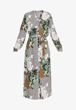 PCCARRIE ANKLE DRESS - Denní šaty - white pepper/mix