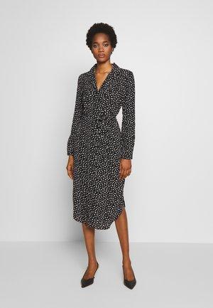 PCNICOLETTA DRESS - Skjortekjole - black