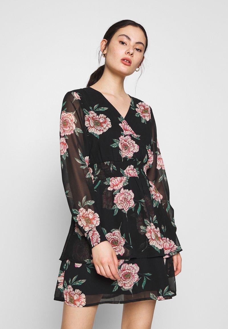 Pieces - PCFLOWI  DRESS - Kjole - black