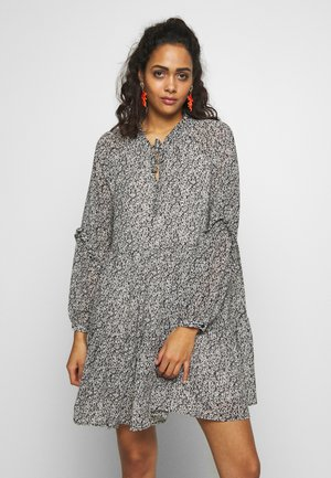 PCARLIA DRESS  - Robe d'été - black