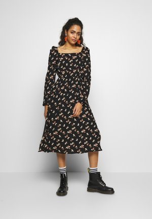 PCGLOW MIDI DRESS - Kjole - black/brown