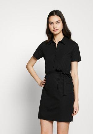 PCALVINA - Vestido camisero - black