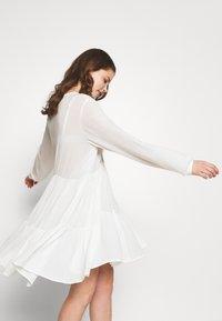 Pieces - PCNUME DRESS  - Robe d'été - bright white - 3