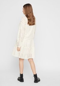 Pieces - MIDIKLEID LOCHSTICKEREI - Shirt dress - whitecap grey - 2