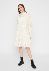 Pieces - MIDIKLEID LOCHSTICKEREI - Shirt dress - whitecap grey - 1