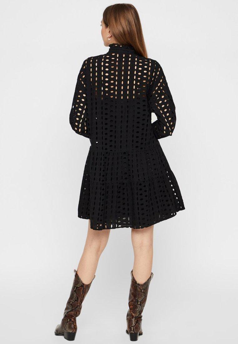 Pieces Midikleid Lochstickerei - Shirt Dress Black