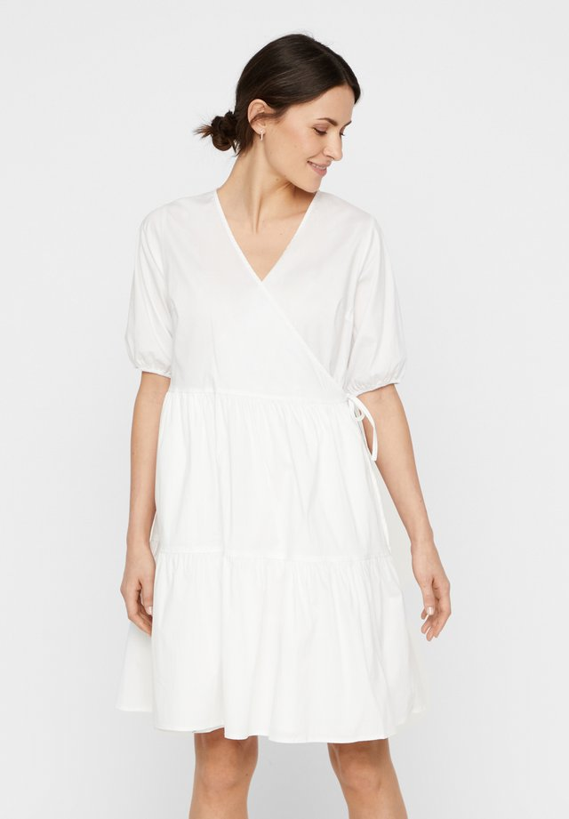 WICKELKLEID PUFFÄRMEL - Vestido informal - bright white