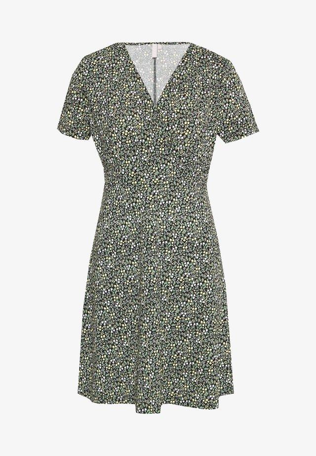 PCEMANUELLE DRESS - Jerseyjurk - black/popcorn/green