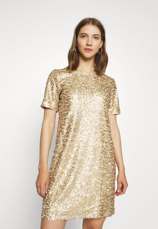 PCALISIA DRESS - Vestido de cóctel - warm sand