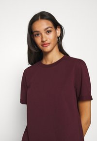 Pieces - PCRIA FOLD UP SOLID TEE - T-shirt basic - port royale - 4