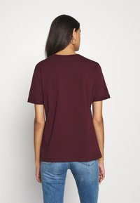 Pieces - PCRIA FOLD UP SOLID TEE - T-shirt basic - port royale - 2