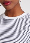 Pieces - PCRIA FOLD UP TEE - T-Shirt print - bright white/maritime blue
