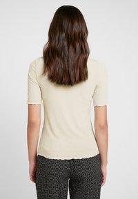 Pieces - PCJIG KAC - T-shirt - bas - almond milk - 2
