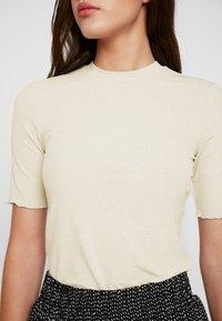 Pieces - PCJIG KAC - Basic T-shirt - almond milk - 4