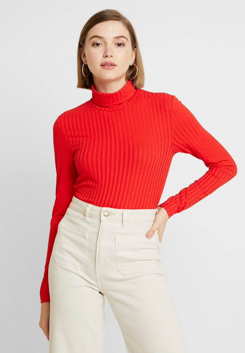 Pieces - Long sleeved top - high risk red
