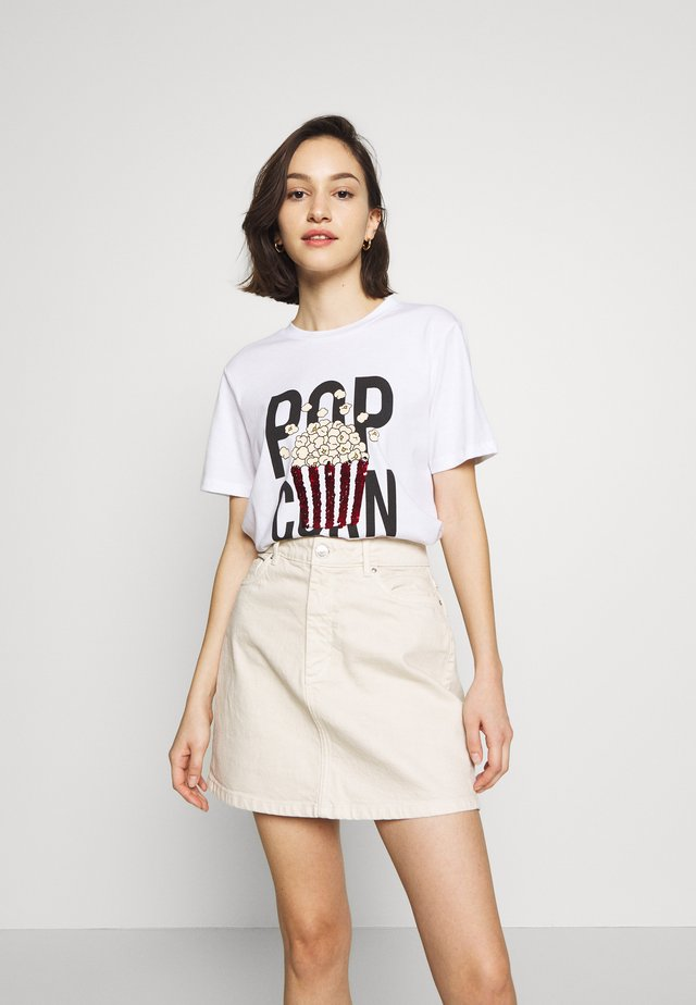 PCPOCCA SEQUINS TEE - T-shirt con stampa - bright white