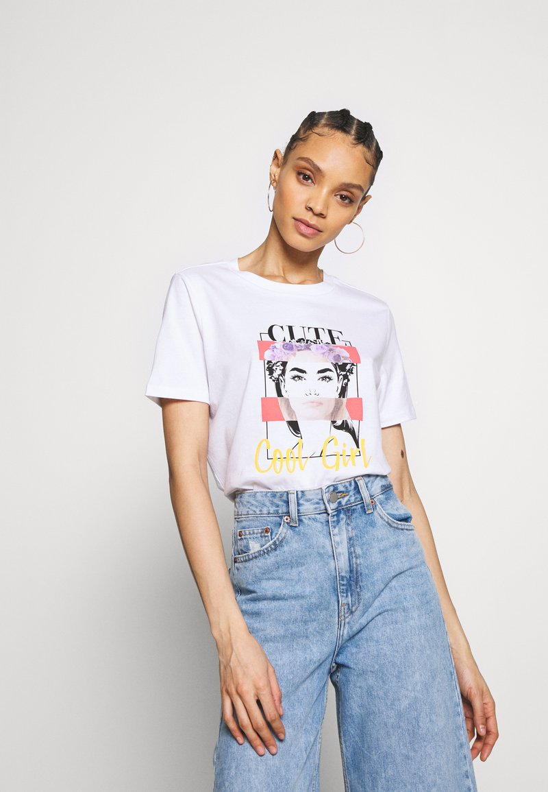 Pieces - PCFACE COOL GIRL TEE - T-shirt imprimé - bright white