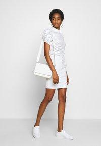 Pieces - PCCHRISTY  TOP  - T-shirt imprimé - bright white - 1