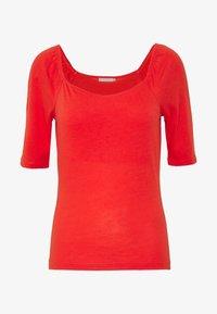 Pieces - PCNORAJA - T-shirts med print - grenadine - 4