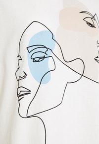 Pieces - PCTETE TEE  - T-shirt print - white - 2