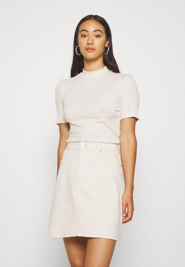 PCBIRDIE TNECK  - T-shirts - whitecap gray