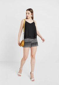 Pieces - PCBODIL SLIP - Top - black - 1