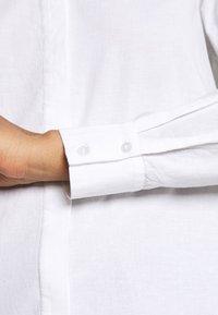 Pieces - PCJETTE SHIRT - Skjorte - bright white - 5
