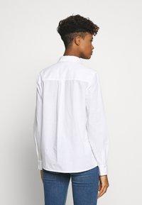 Pieces - PCJETTE SHIRT - Skjorte - bright white - 2