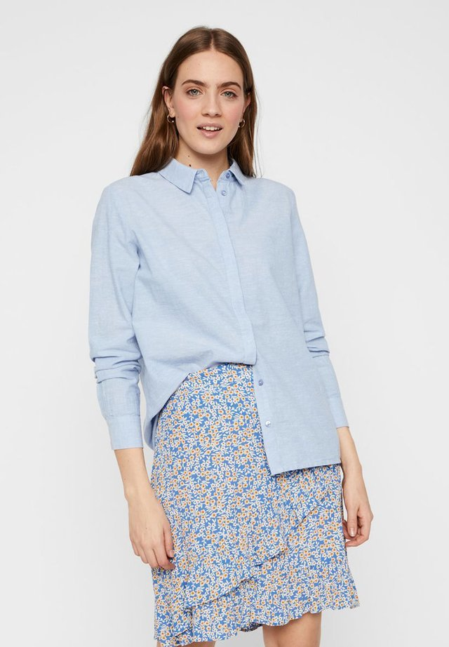 PCJETTE SHIRT - Button-down blouse - kentucky blue