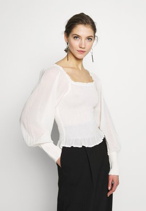 PCMIRAH SMOCK TOP - Blouse - cloud dancer