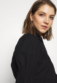 Pieces - PCCLAUDIA LS SHIRT D2D - Skjorte - black - 5