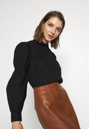PCCLAUDIA LS SHIRT D2D - Button-down blouse - black